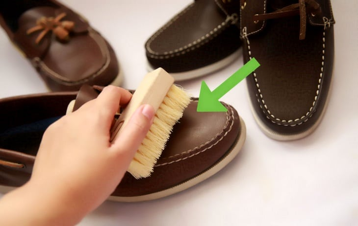 how to clean white leather shoes at home